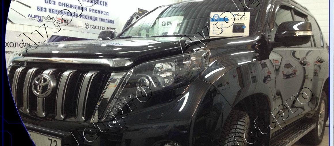 Установка разнесенного комбо-устройства NEOLINE X-COP R750 на автомобиль Toyota Land Cruiser Prado 150